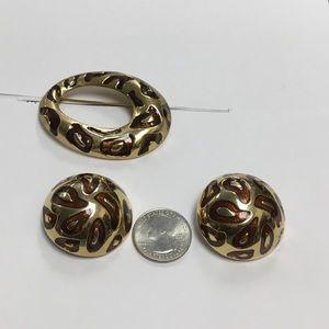 Chunky stud earrings & pendant brooch set